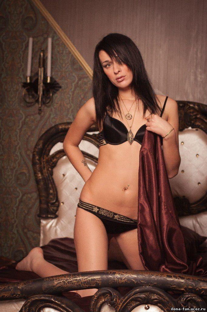 golaya-ilona-erotika-foto-luchshaya-minet-aktrisa